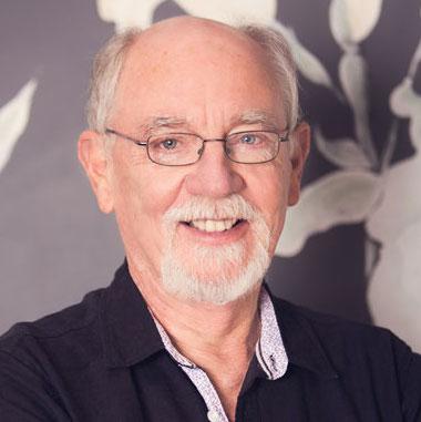 DR. KLAUS WISWEDEL